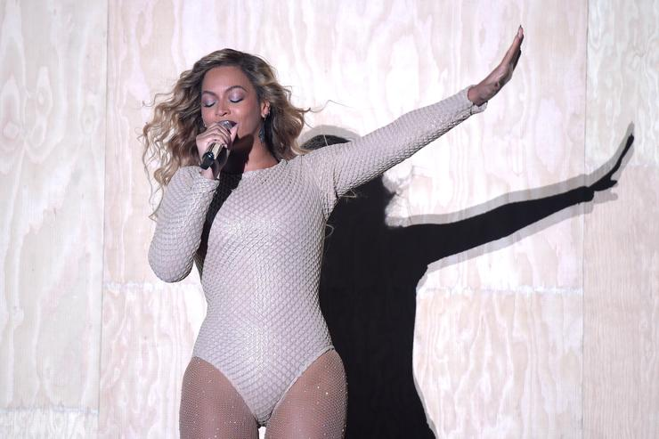 Beyonce performs onstage during 2015 Global Citizen Festival