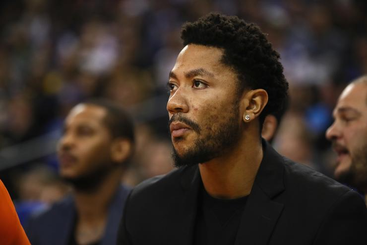 Derrick Rose #25 of the New York Knicks sits on the bench during their game against the Golden State Warriors at ORACLE Arena on December 15, 2016 in Oakland, California.