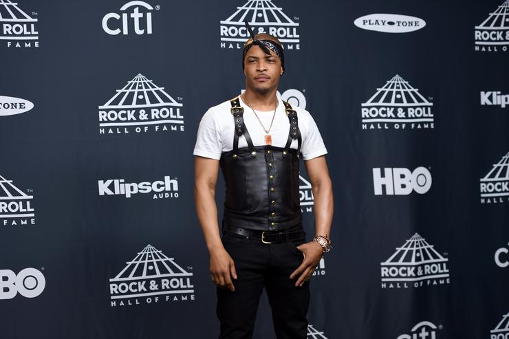 ti responds to jokes about his tupac outfit from rock hof induction