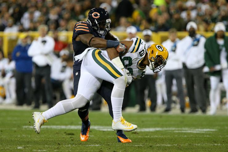 Jerrell Freeman tackles Richard Rodgers