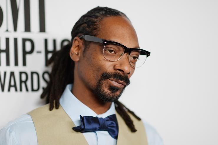 Snoop Dogg 2015 BMI R&B/Hip-Hop Awards - Red Carpet