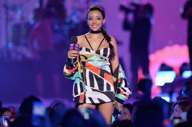 Tinashe 2016 iHeartRadio Summer Pool Party At Fontainebleau Miami Beach - Show