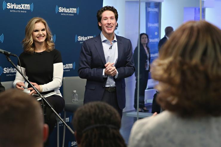 READ: Joel Osteen Called a 'Scam Artist' on Twitter