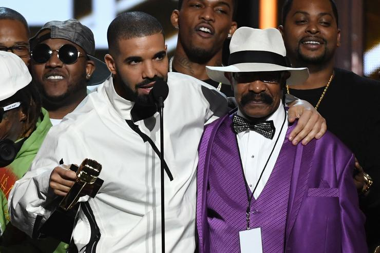Dennis Graham & Drake at 2017 Billboard Awards