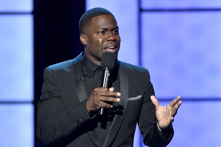 Kevin Hart Tells Audience That He's