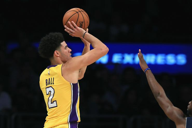 GMs pick Lonzo Ball to win Rookie of the Year