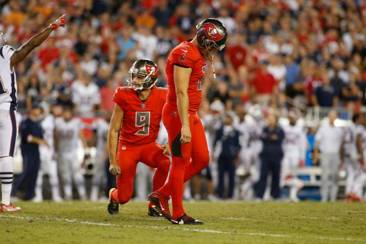 Bucs to try out kickers after 3 more Folk misses