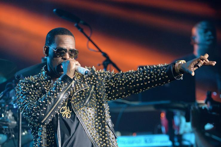 New abuse claims made against R Kelly
