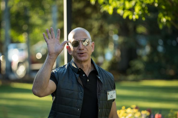 Jeff Bezos attends a meeting in Idaho