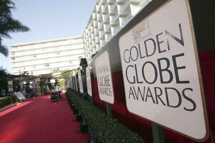 Actresses to wear black at Golden Globes to protest sexual harassment