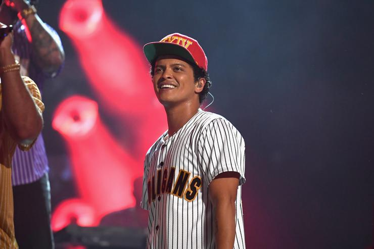 Bruno Mars in a baseball t-shirt