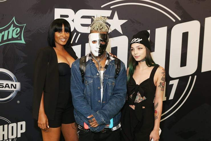 XXXTentacion (C) attends BET Hip Hop Awards 2017 on October 6, 2017 in Miami Beach, Florida