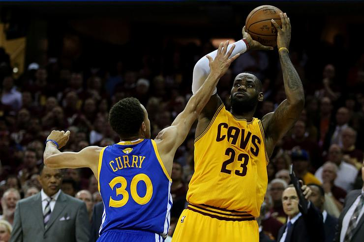 LeBron, Curry new leaders in All-Star voting