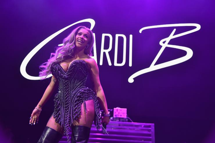 Cardi B surpasses Beyonc- on the charts
