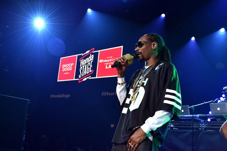 Rapper Snoop Dogg performs onstage during Snoop Dogg Live on the Honda Stage at iHeartRadio Theater on May 11, 2015 in Burbank, California.