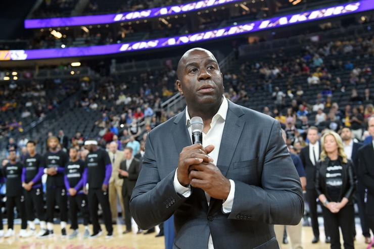 Lakers fined for Johnson's comments on Antetokounmpo