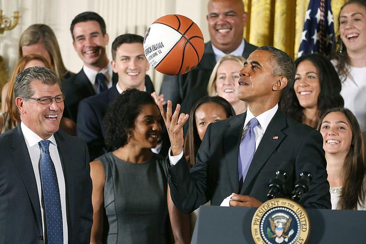 Barack Obama picks Michigan St., UConn to win NCAA tournaments