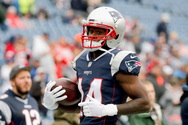 Patriots trade WR Cooks to Rams for first-rounder