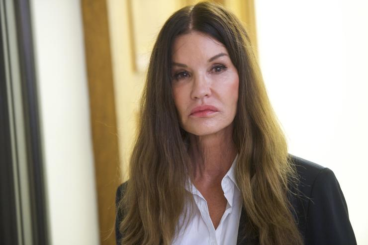 Model Janice Dickinson tells jury Bill Cosby drugged, raped her in 1982