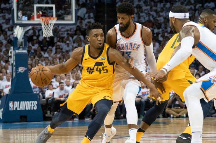 Jazz halts Thunder, knots series at 1-1