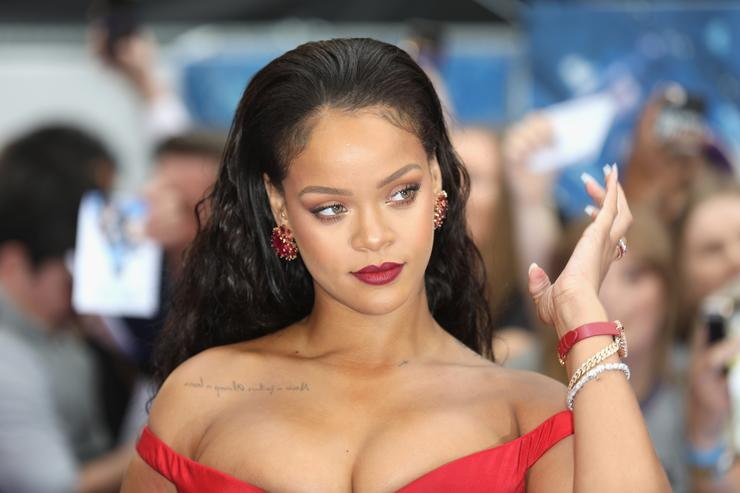 Image result for Rihanna's Fight With Billionaire Boyfriend Has Been Turned Into Hilarious Memes