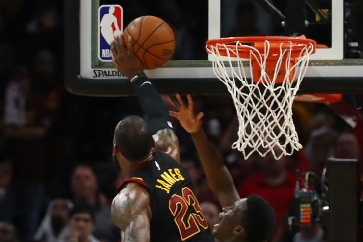 LeBron blocks Oladipo in final seconds of Game 5