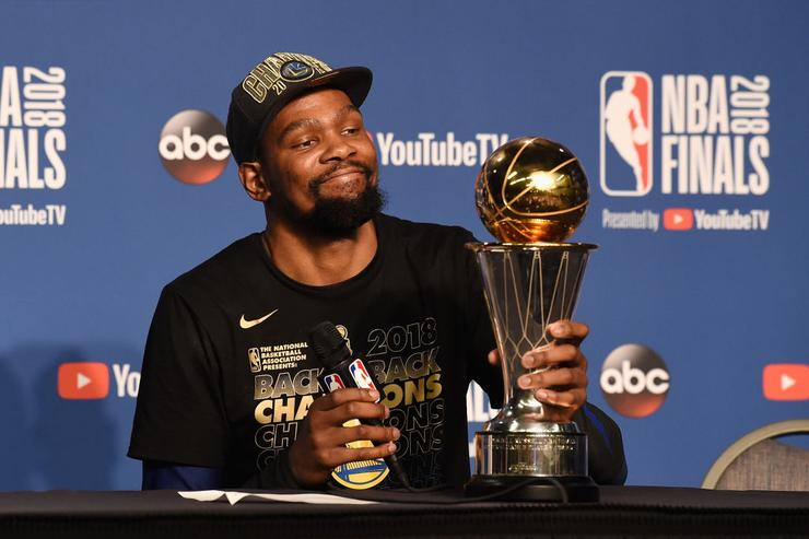 Kevin Durant feuds with teen internet troll: 'sweep your dorm room'