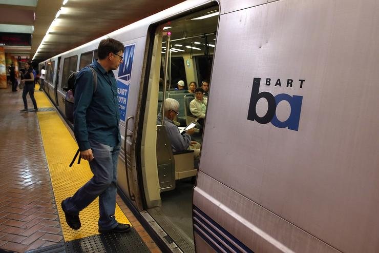 Suspect arrested in fatal stabbing at MacArthur BART station