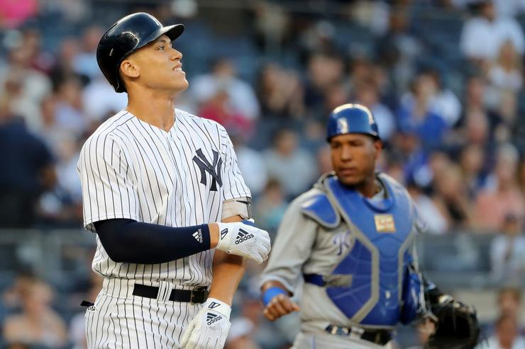 Aaron Judge injury: Yankees star leaves after HBP
