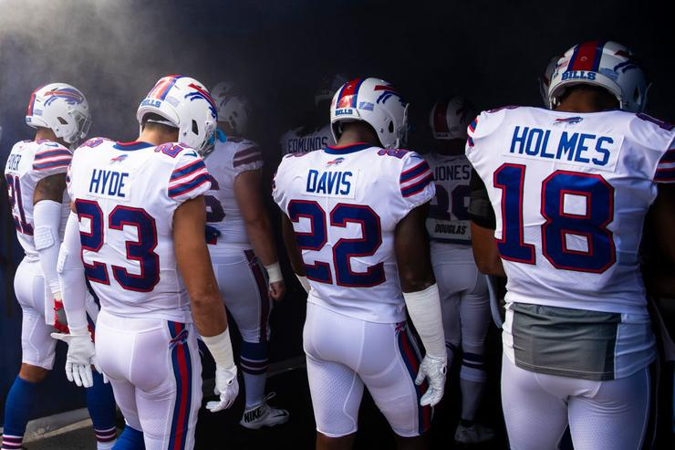 Bills CB Vontae Davis pulls self from game, reportedly retires at halftime