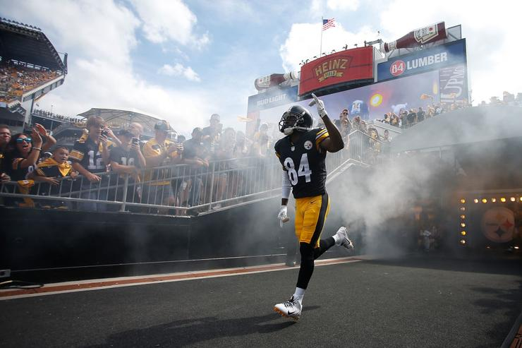 Antonio Brown did not show up for meetings on Monday