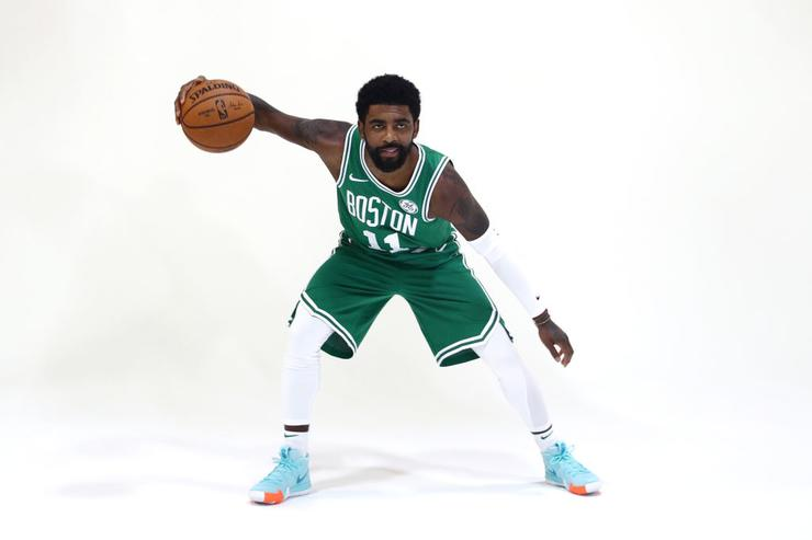Kyrie Irving tells Boston crowd: 'I plan on re-signing here'