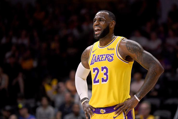 LeBron James, Lonzo Ball take the floor together for first time