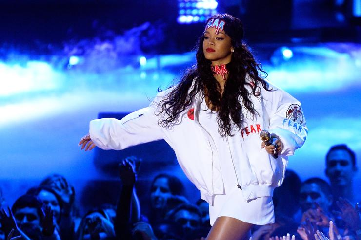 Rihanna 'declined Super Bowl invitation in support of quarterback'