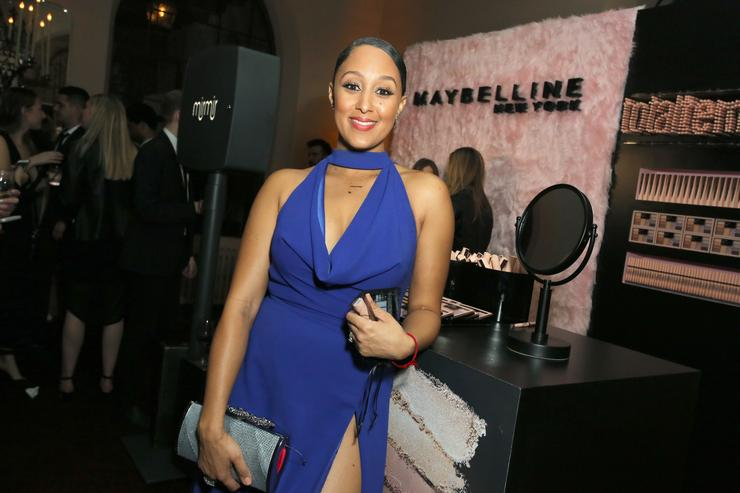 Tamera Mowry tears up talking about niece killed in California bar shooting